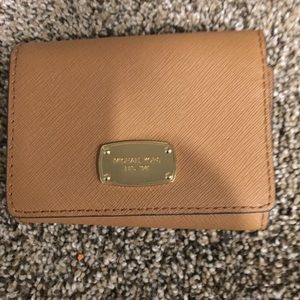Micheal Kors tan small wallet NWOT